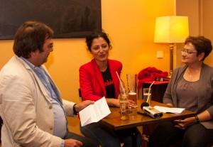 Cansel Kiziltepe im Gespräch mit Peter S. Kaspar und Manuela Albicker.  Foto: rsp