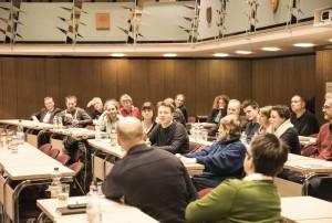 Angeregte Diskussion über fairen Handel und Wertschöpfungsketten.  Foto: rsp