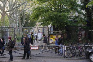 Zankapfel GHS: Im Nordflügel der Ex-Schule befindet sich seit Januar eine fertige Unterkunft für 100 Personen.  Foto: rsp