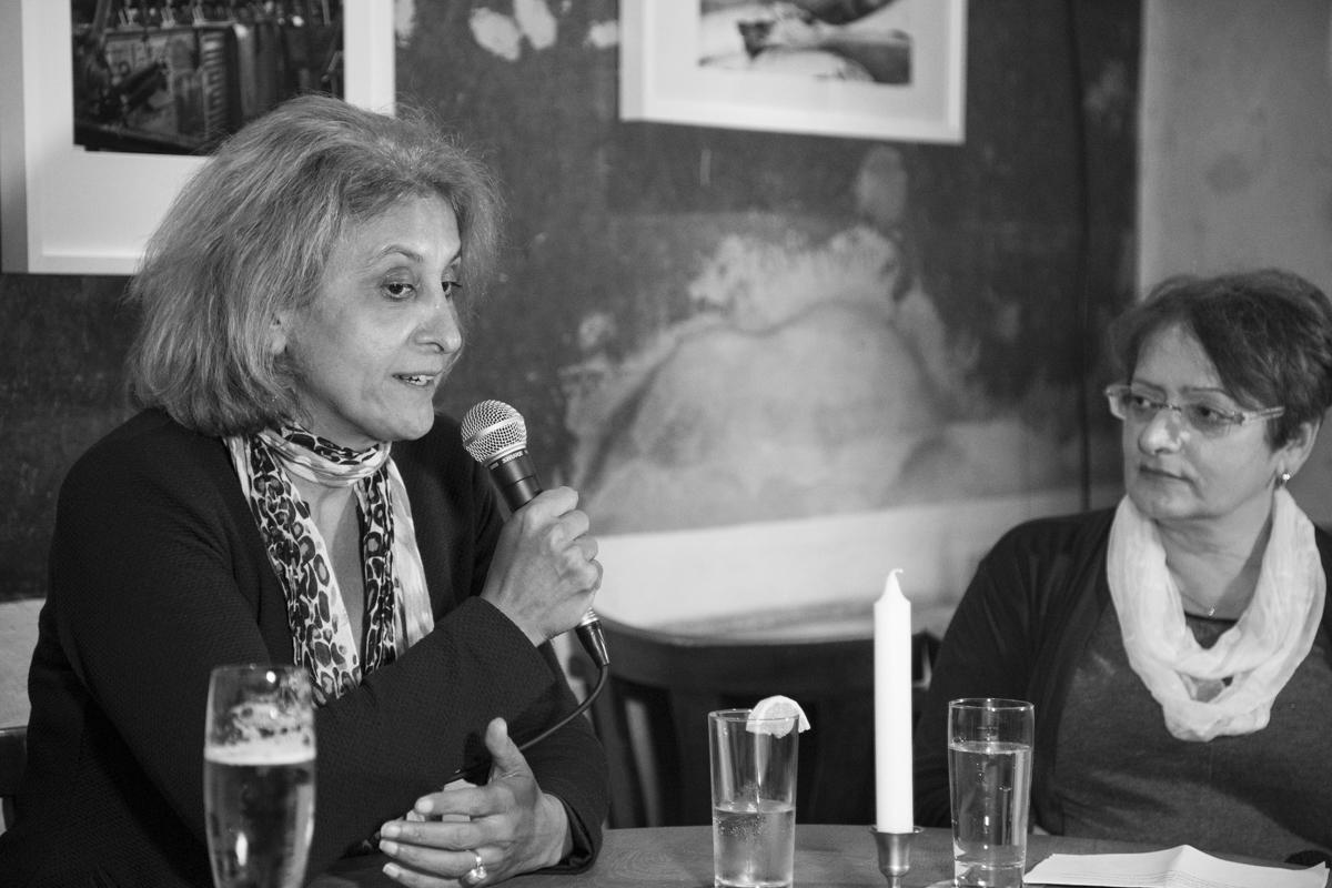Canan Bayram mit KuK-Redakteurin Manuela Albicker.