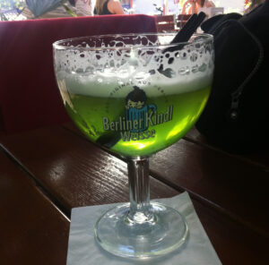 Ein Glas Grüne Berliner Weisse